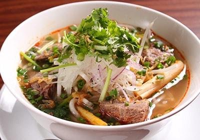 ブンボーフエ(牛煮込み辛口丸麺)