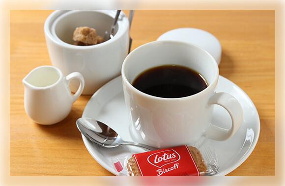 こだわりのコーヒーと、クセになる自家製シロップのドリンク