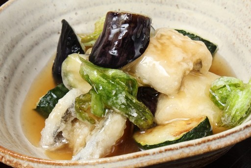 食べるべき一品/穴子と旬野菜の黒酢あんかけ
